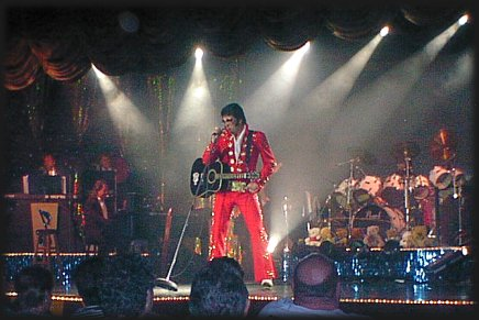 Lou Vuto as ELVIS PRESLEY, Memories Theatre, July 16, 2001