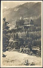 329(b). C.P.R. Hotel, Bow River / and Sulphur Mtn.
