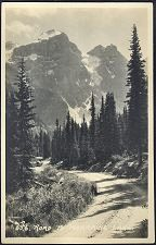 556(c). Road To Morraine Lake.